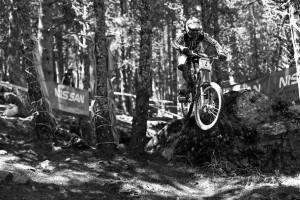 Wahrscheinlich der schnellste auf dem anspruchsvollen Kurs in Andorra – Sam Hill. Doch am Ende zählt, was auf der Uhr steht und so muss Sam weiter auf seinen ersten Saisonsieg warten. Pic: Sebastian Schieck