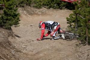 Peaty down im Training am heutigen morgen. Tja Sam Hill spart sich sowas scheinbar lieber für den Race-Run auf. Pic: Sebastian Schieck