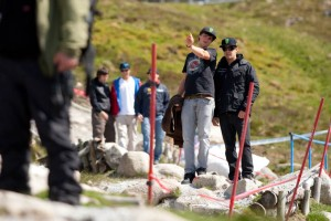 Brendan Fairclough und Sam Hill beim Track-Walk am Donnerstag. Pic: Sebastian Schieck