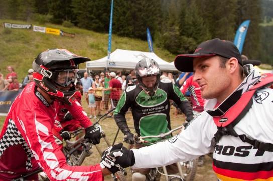 Nick Beer und Markus Klausmann Hand in Hand. Bild: Thomas Dietze