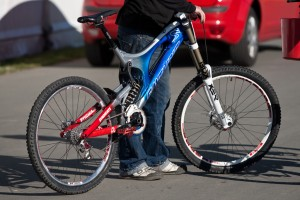 A Winners Bike? V10 Power! Pic: Sebastian Schieck