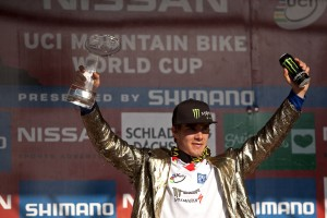 Palmer Jacket on, Pokal in der Hand, alles Save. Pic: Sebastian Schieck