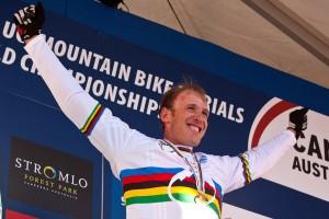 Spread your wings! Damit hat Steve Peat alles erreicht, was es im Downhill Racing zu holen gibt. Pic: Sebastian Schieck