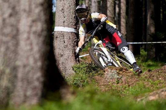 Das Bike macht Spass, besonders wenn die Strecke mit kleinen spaßigen Anliegern versehen ist. Pic: Sebastian Schieck