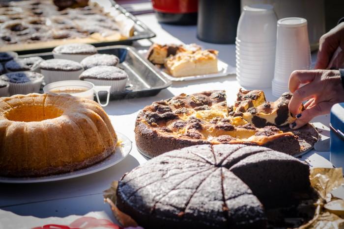 … mit Kaffee und Kuchen